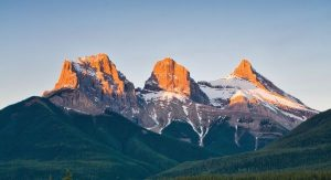 Image of mountains for Leadership Retreat in Canmore Alberta
